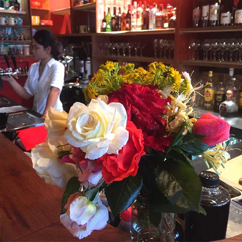 Bar-Roses-and-Tri